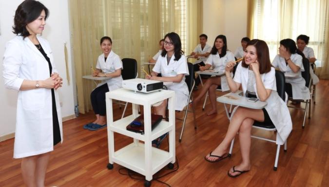 Học viện làm đẹp quốc tế Sally Academy